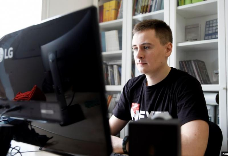 Part news outlet, part activist blog, the Telegram channel Nexta is run by Stsyapan Putsila, a 22-year-old former film student working out of an office building in Warsaw.